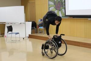神原健太さんによる車椅子パフォーマンス